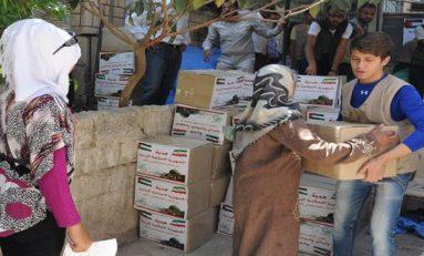 سلات غذائية ايرانية للمهجرين من المخيمات الفلسطينية