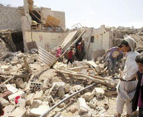 مجزرة جديدة يرتكبها النظام السعودي في الحديدة استشهاد عشرات اليمنيين في غارة على سكن عمالي