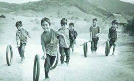 من أيام زمان  الألعاب القديمة.. تُنمّي روح الجماعة..  تُحاكي البراءة بلغة المرح.. والتكنولوجيا سرقت الطفولة