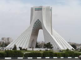 إيران: ترامب لا يعرف من الشرق الأوسط إلا النفــــط والـدولار ورقصــــة السيــــف