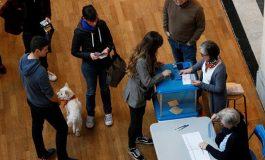 الفرنسيون يدلون بأصواتهم اليوم في الانتخابات الرئاسية