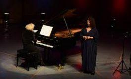 حداد تغني برفقة  بيانو باغبودريان في دار الأوبرا
