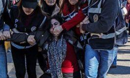 بعد الاستفتاء.. حملة الاعتقالات تتجدّد واستبداد أردوغان يعمّق الهوة بين تركيا وأوروبا