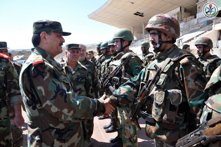 بتوجيه من الرئيس الأسد.. الفريج يتفقد قواتنا العاملة في درعا وريفها