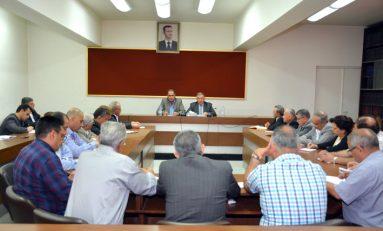 عزوز يلتقي المكتب التنفيذي للاتحاد العام لنقابات العمال: تقييم مستمر لأداء ممثلي العمال في مجالس الإدارات