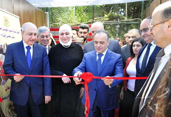 """400 فلاحة في مهرجان """"المرأة الريفية"""" و200 مليون ليرة لإنشاء مركز بيع اللاذقية المهندس خميس: دعم المشروعات بـ1.5 مليون ووحدات متنقلة لتسويق المنتجات"""
