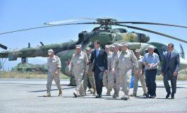 الرئيس الأسد يتفقد قاعدة حميميم العسكرية: الشعب السوري لن ينسى وقوف أشقائه الروس إلى جانبه