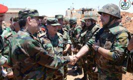 بتوجيه من الرئيس الأسد.. الفريج يتفقد قواتنا العاملة في المنطقة الجنوبية ويزور جرحى الجيش في مشفى تشرين العسكري