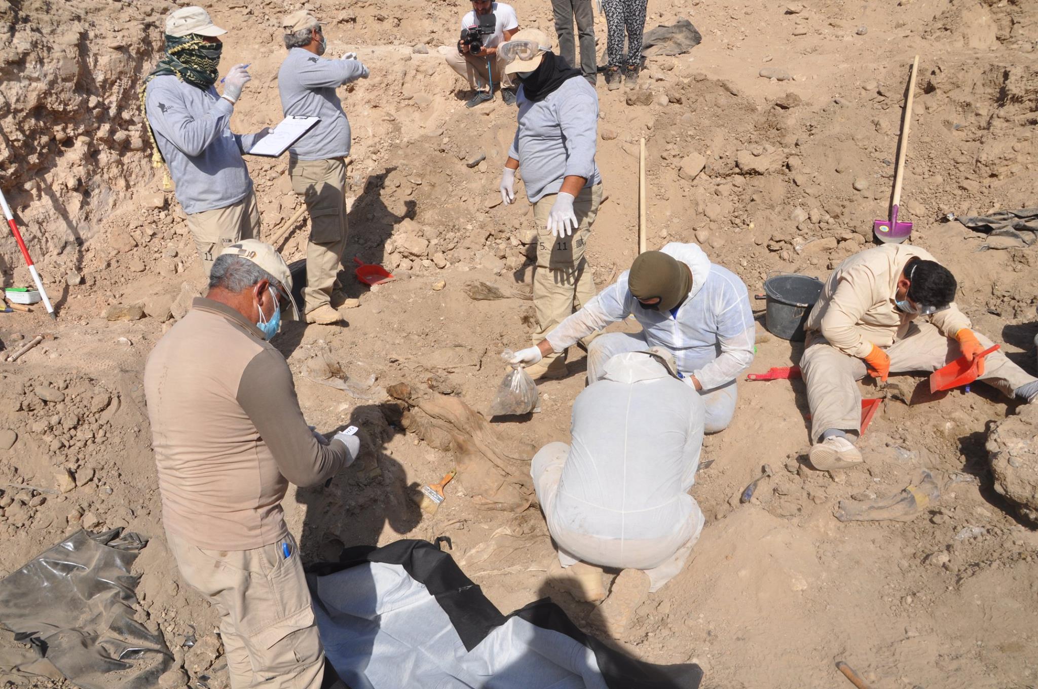 العثور على مقبرة جديدة لضحايا مجزرة سبايكر