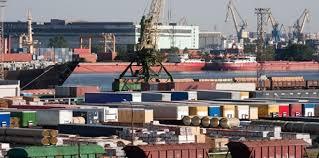 ارتفاع العجز التجاري للمغرب في الأشهر الأربعة الأولى