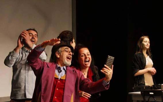 """بعد """"زيتون"""" و""""ضيف الدب"""" غسان الدبس: أستعد لـ""""ليلة التكريم"""" وعمل شكسبيري للأطفال"""
