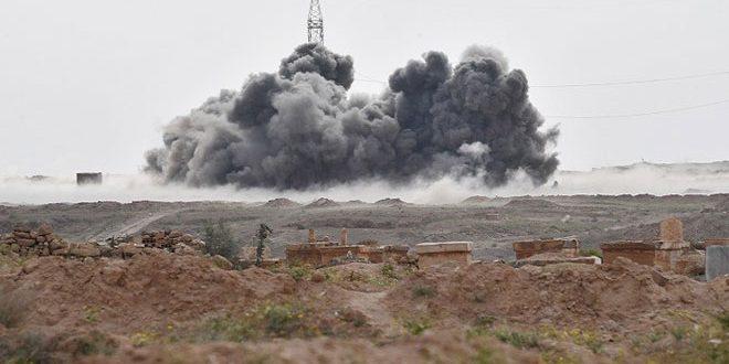 """سلاح الجو الروسي يدمر قافلة آليات لـ""""داعش"""" كانت متجهة إلى دير الزور ويقضي على أكثر من 200 إرهابي"""