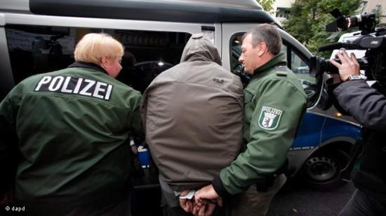 توقيف لاجئ في ألمانيا لارتكابه جرائم حرب في سورية  فرنسا تحصّن أمنها بالتصدّي للمقاتلين الأجانب