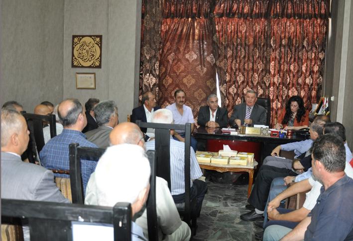 حرفيو دمشق لرئيس مكتب العمال:  إقامة معارض لإحياء الحرف من جديد