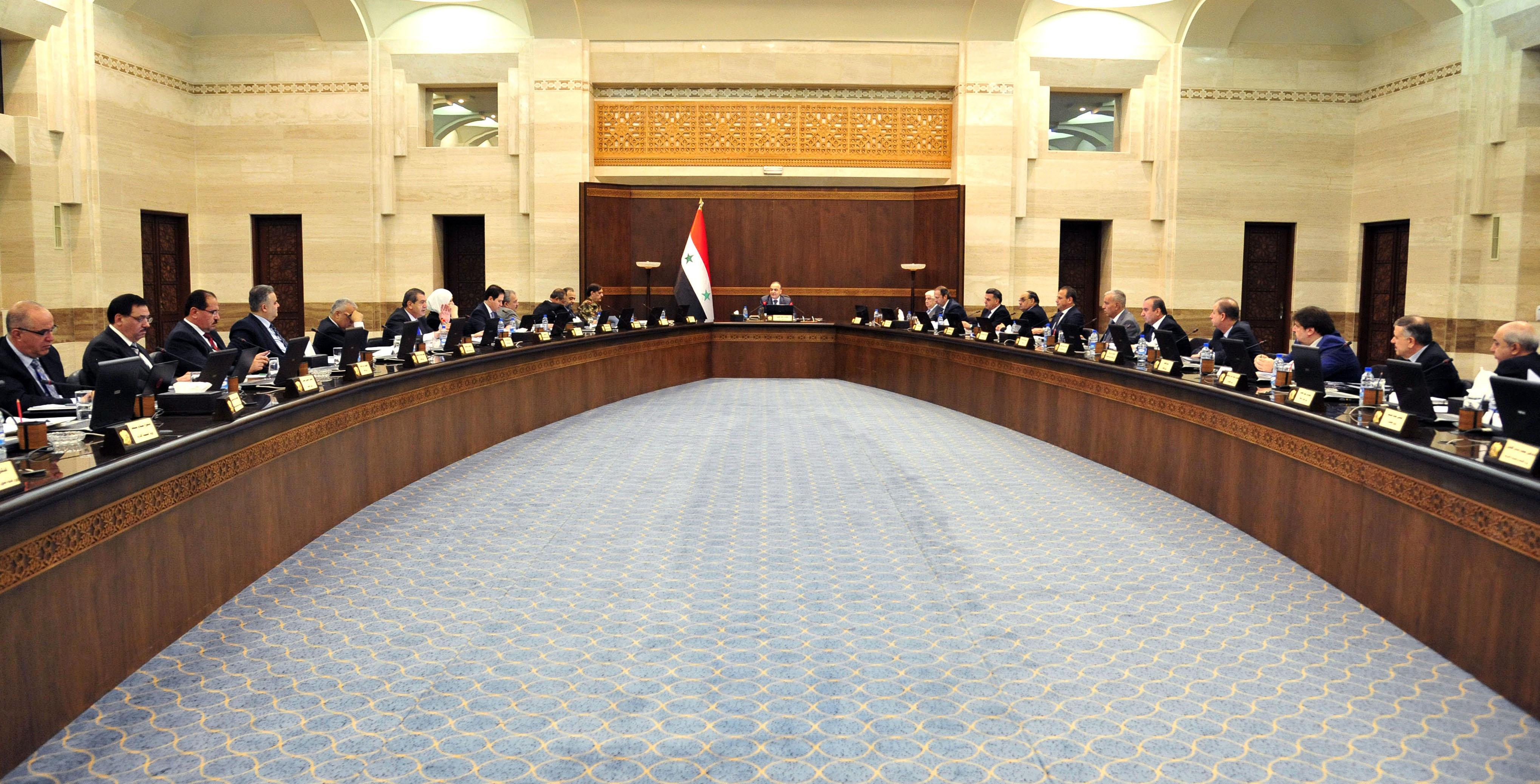 مجلس الوزراء يعتمد السياسة الإعلامية لدعم مشروع الإصلاح الإداري ويناقش مجموعة من القوانين