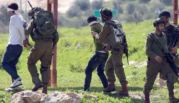 قوات الاحتلال الإسرائيلي تعتقل 17 فلسطينياً في الضفة الغربية