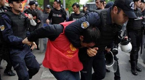 """""""محاولة الانقلاب"""" ذريعة  لسحق الصحافة في تركيا"""