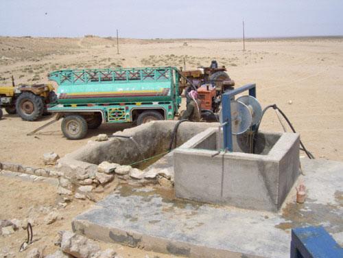 أزمة عطش خانقة في ريف محافظة حماة والعجز المائي يصيب عشرات آبار المياه
