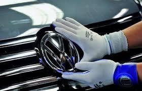 فولكسفاجن تستدعي 385 ألف سيارة