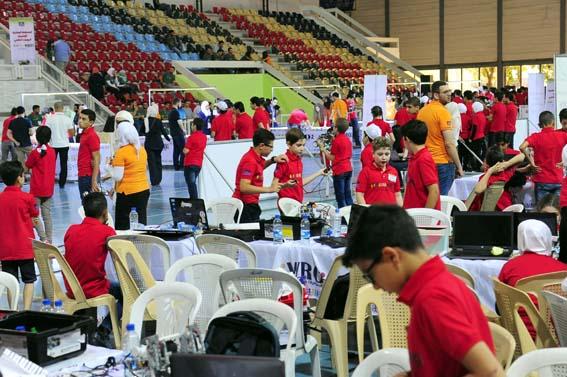 70 فريقاً في نهائيات المسابقة الوطنية لأولمبياد الروبوت العالمي