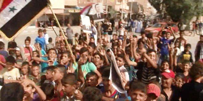 أهالي دير الزور يواصلون الاحتفال بكسر الحصار عن مدينتهم  قوى سياسية وشعبية: تحوّل استراتيجي في الحرب على الإرهاب