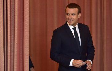 ماكرون يُعيد فرنسا إلى المشهد العربي