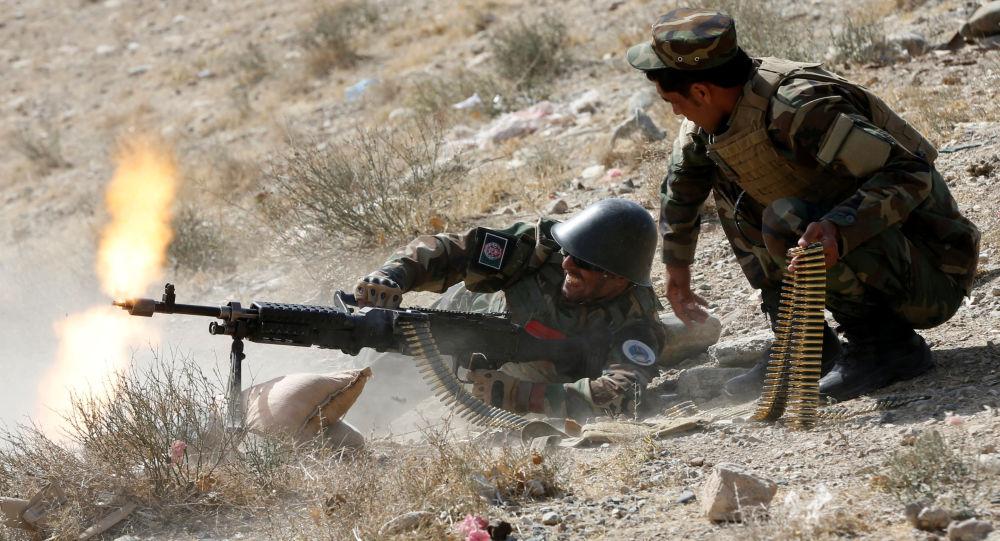 الجيش الأفغاني يداهم سجناً لطالبان وينقذ العشرات
