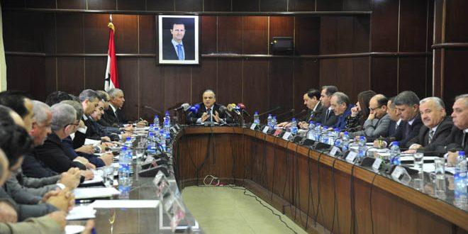 رئيس الحكومة يوجه بإعادة تشكيل مجالس إدارات المؤسسات الصناعية