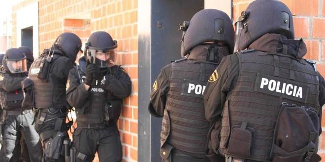 """السلطات الإسبانية تفكك خلية تابعة لـ """"داعش"""""""