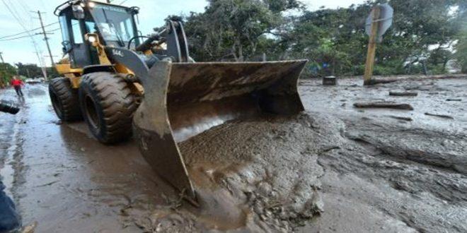 ضحايا الفيضانات الوحلية في كاليفورنيا تجاوزت 15
