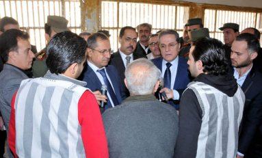 وزيرا الداخلية والعدل من سجن دمشق المركزي: الوقوف على وضع السجناء قانونياً وحل مشاكلهم